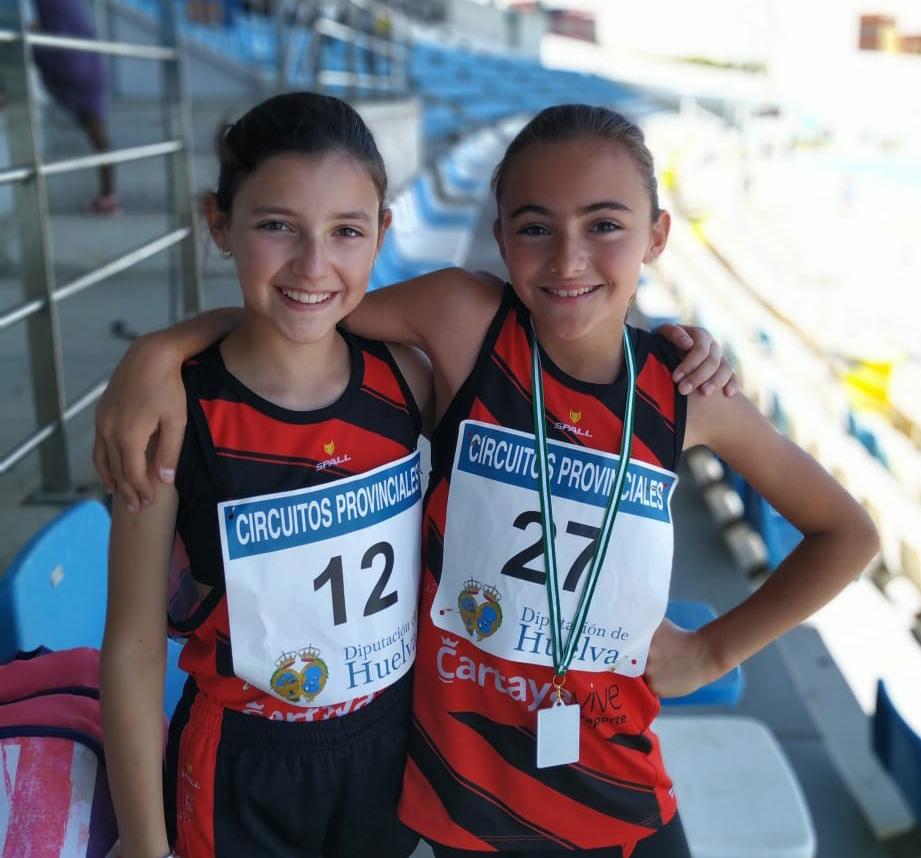 Dos promesas del atletismo femenino cartayero, en el Campeonato de Andalucía.