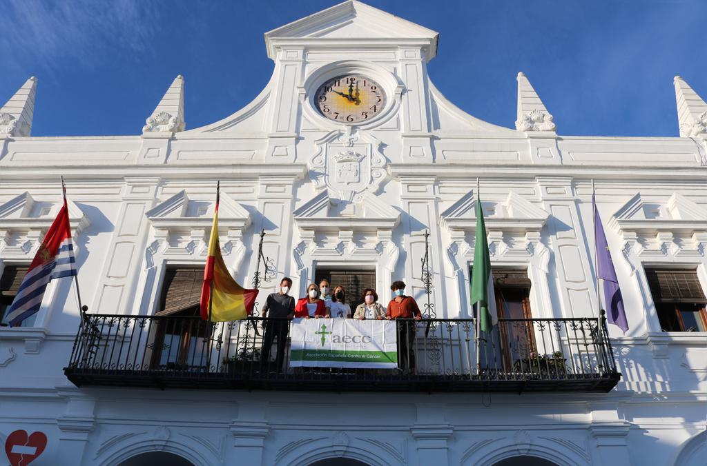 El Ayuntamiento y la AECC en Cartaya piden la colaboración de todos para impulsar la investigación, con motivo del Día Mundial contra el  Cáncer de Mama