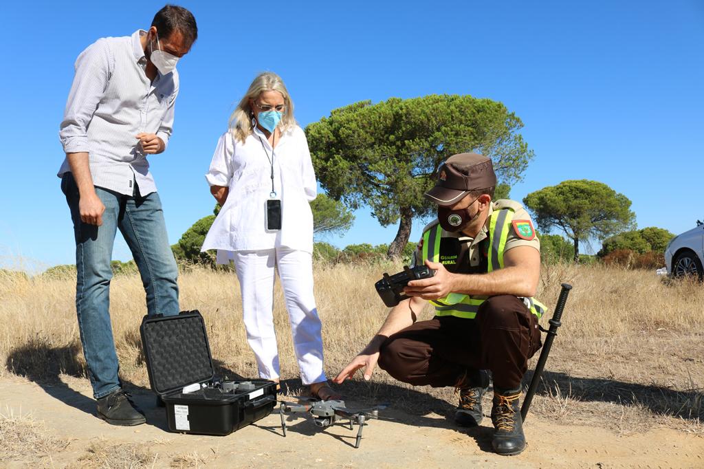 Cartaya vigila el pinar y la zona litoral con drones para prevenir los incendios forestales