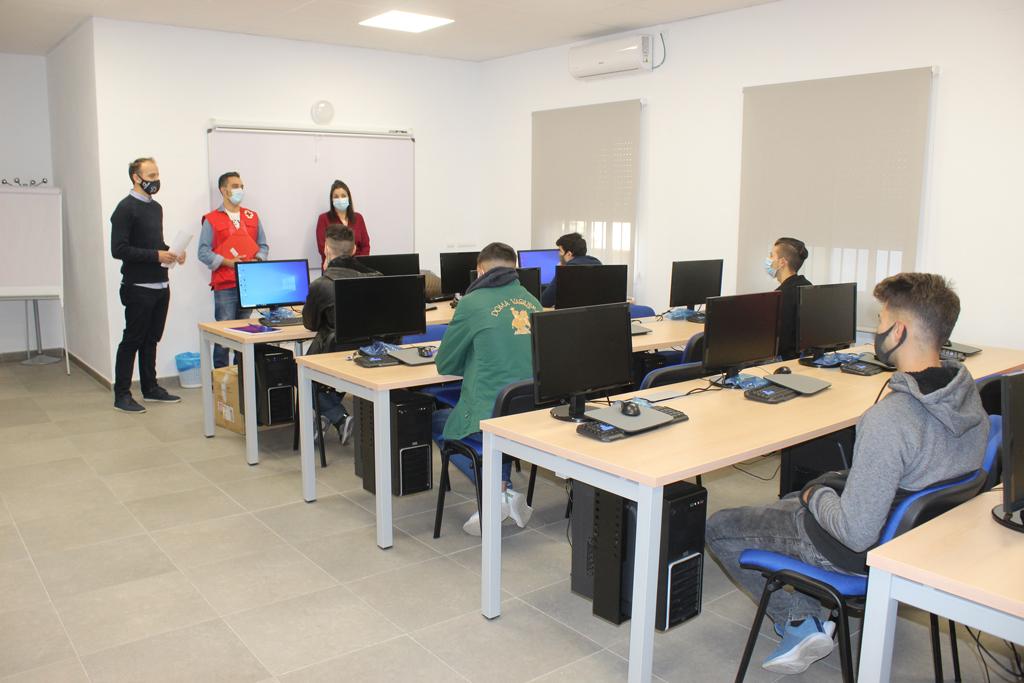 El Ayuntamiento de Cartaya pone en marcha un nuevo curso de formación para jóvenes.