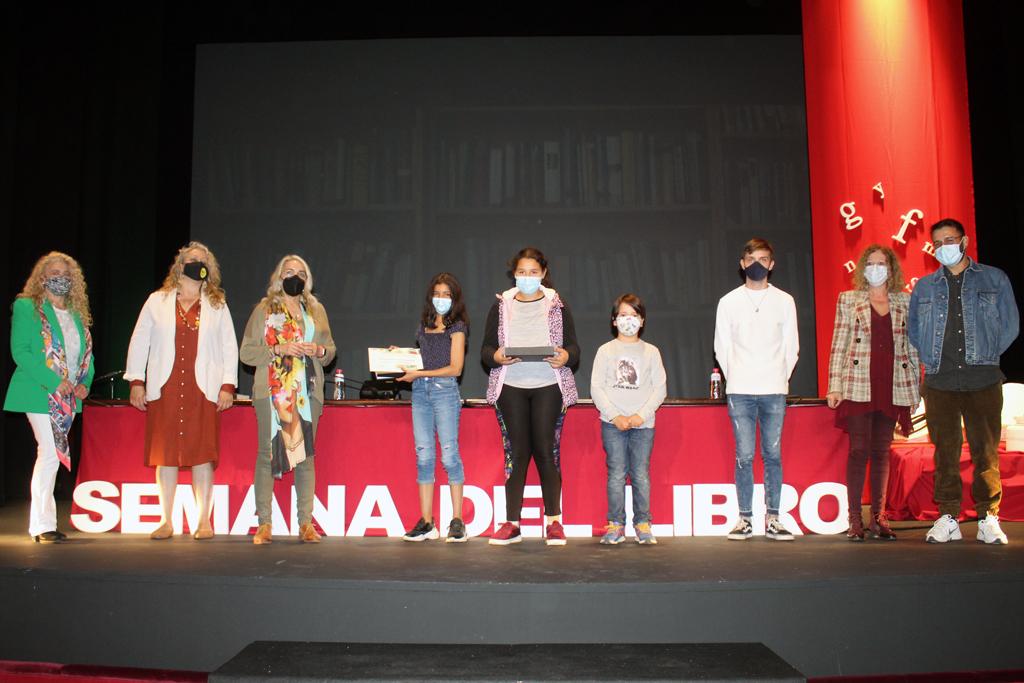 El Ayuntamiento y las asociaciones 'Juglares' y 'Carta Rota' promueven la literatura entre niños y jóvenes de Cartaya