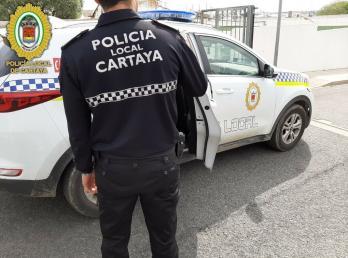 La actuación de la Policía Local de Cartaya  salva la vida a un vecino con trastorno severo de desnutrición que vivía sólo